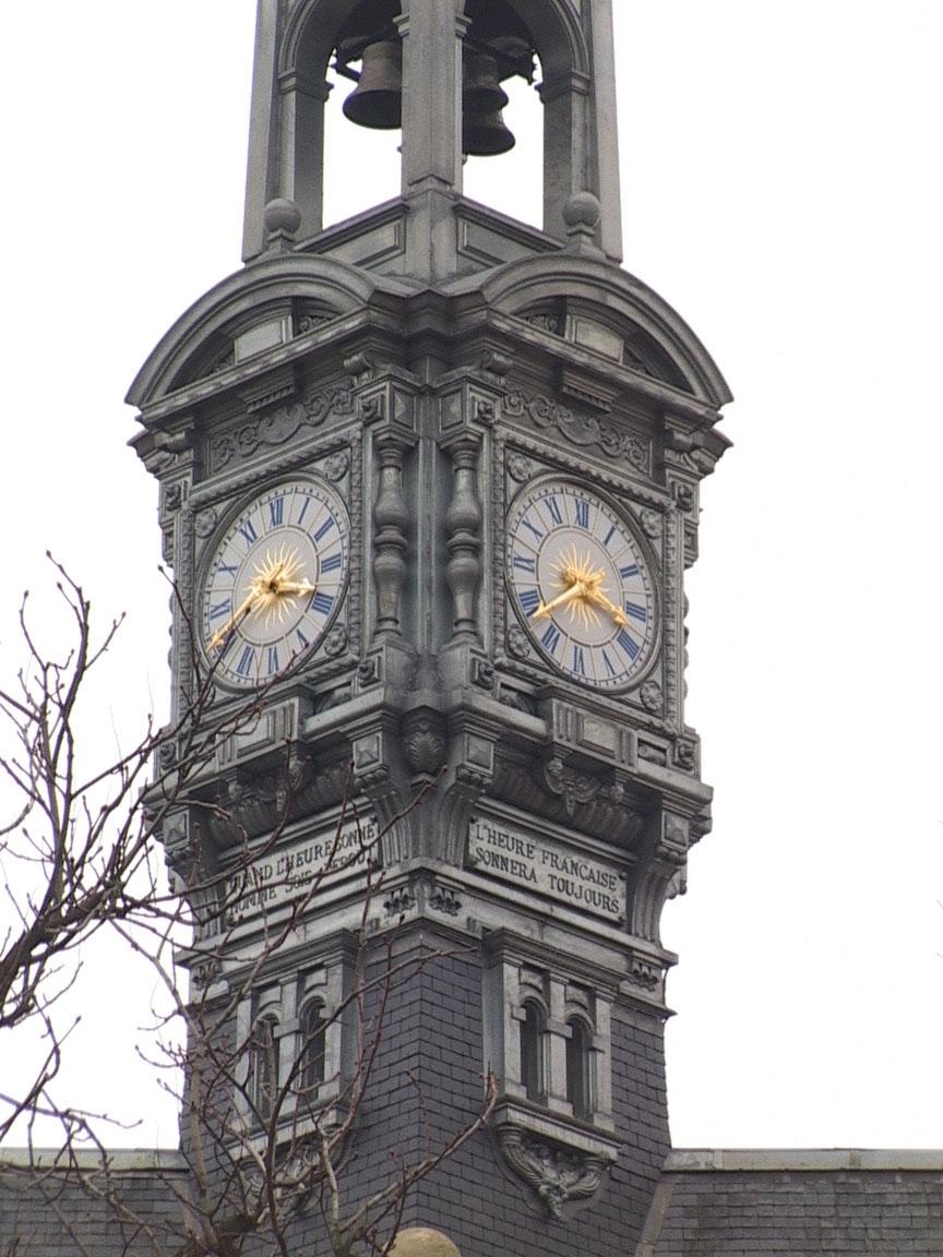 Photo de l'horloge du lycée Pasteur de Neuilly